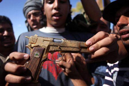 Khau sung vang cua ong Gaddafi dang o dau? - Anh 4