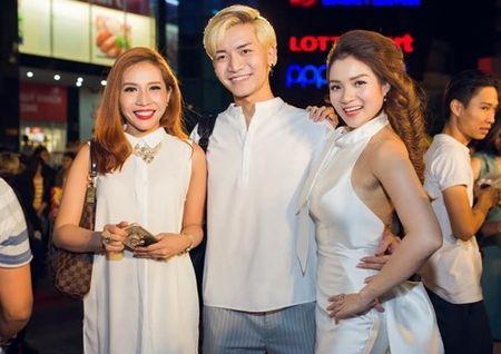 Hoai Linh bat ngo den chuc mung Khuong Ngoc - Anh 10