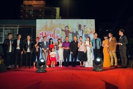 Hoai Linh bat ngo den chuc mung Khuong Ngoc - Anh 3