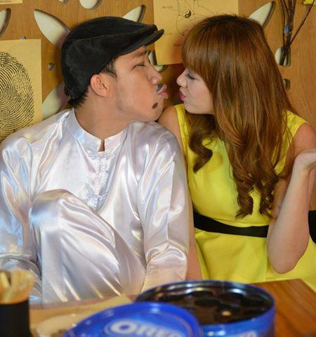 """Nhung hinh anh """"dang nghi"""" cua Tran Thanh-Hari truoc khi hon nhau - Anh 4"""