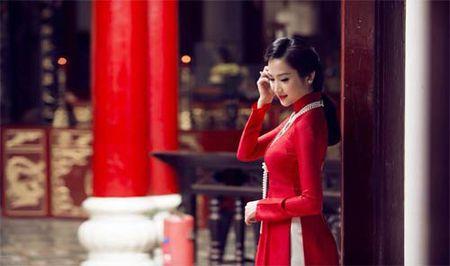 HH Diem Huong cho con trai 1 tuoi di lam toc don Tet - Anh 12