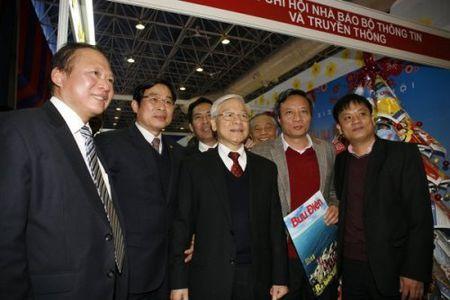 Trien lam - Hoi bao Xuan toan quoc Mung Xuan Binh Than - Anh 2