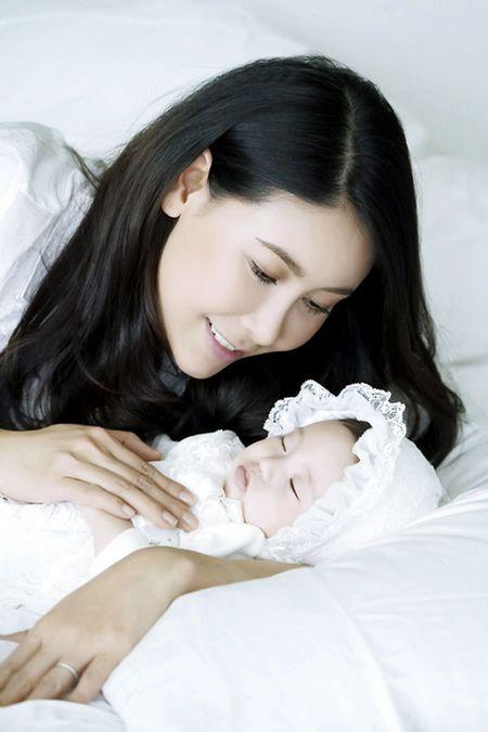 Ha Kieu Anh hanh phuc vien man ben con gai 3 thang tuoi - Anh 6