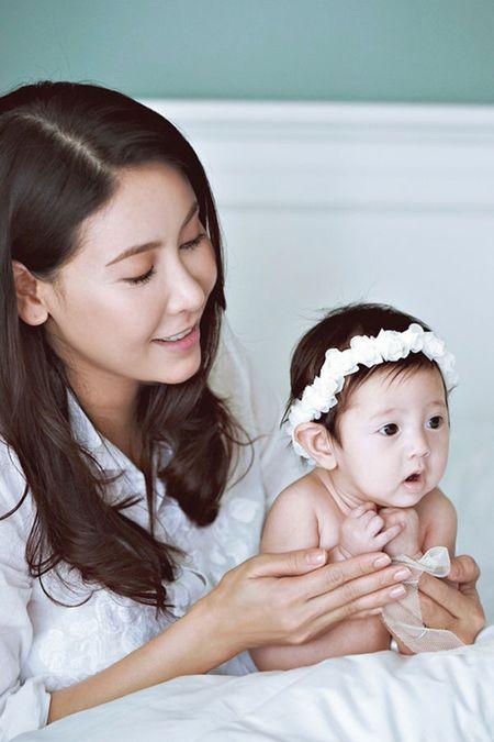 Ha Kieu Anh hanh phuc vien man ben con gai 3 thang tuoi - Anh 7