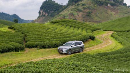 """""""Len nui"""" cung """"chuyen co mat dat"""" Lexus LX570 - Anh 11"""