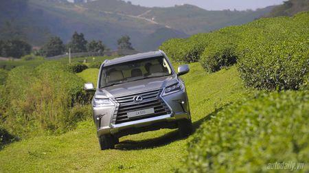 """""""Len nui"""" cung """"chuyen co mat dat"""" Lexus LX570 - Anh 6"""