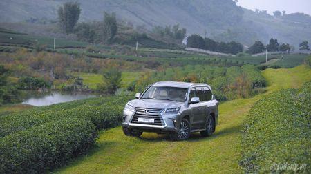 """""""Len nui"""" cung """"chuyen co mat dat"""" Lexus LX570 - Anh 7"""