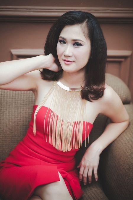 DJ Jolly B huy show dien tai nuoc ngoai, bung chay tai le hoi don giao thua tai Viet Nam - Anh 6
