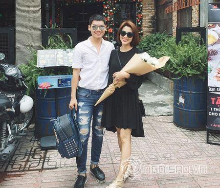 Thoi trang doi thuong 'gay sot' cua sao Viet tuan qua (P102) - Anh 1
