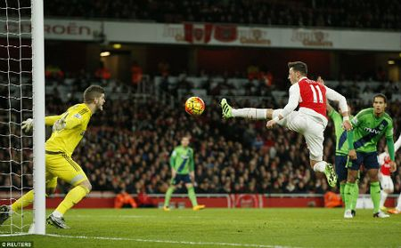 "Arsenal: Nguy co ""buong sung"" vi... phao xit - Anh 1"