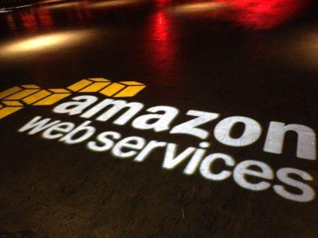 Apple muon bo Amazon Web Services, xay trung tam du lieu rieng - Anh 1