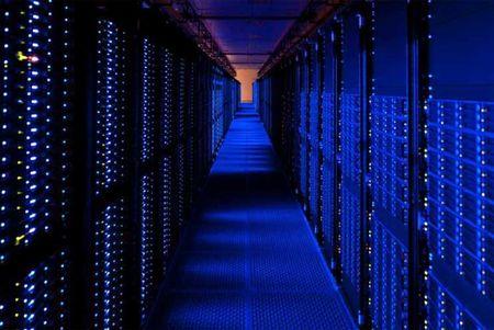 Apple muon bo Amazon Web Services, xay trung tam du lieu rieng - Anh 2