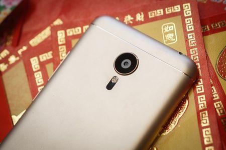 Meizu them ban MX5 Gold gia 9 trieu - Anh 2