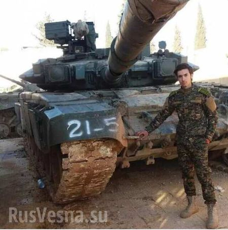 Video: Uy manh xe tang T-90A tren chien truong Aleppo, Syria - Anh 1