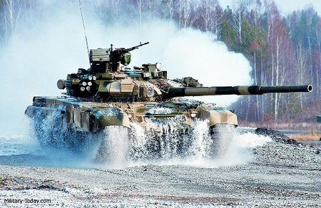 Video: Uy manh xe tang T-90A tren chien truong Aleppo, Syria - Anh 2