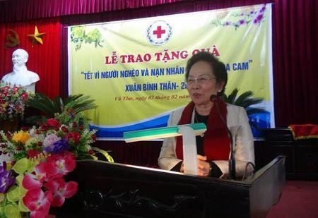 Pho Chu tich nuoc Nguyen Thi Doan tham va tang qua tet tai Thai Binh - Anh 2