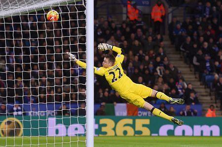 Thang Liverpool 2-0, Leicester vung ngoi dau bang - Anh 6