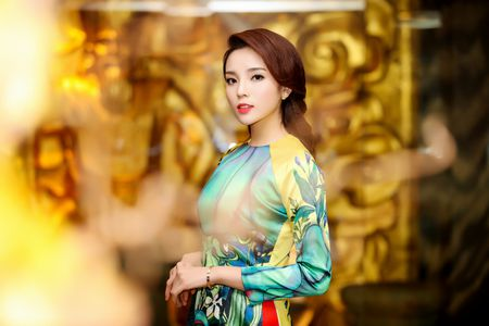 Hoa hau Ky Duyen, Ngoc Han dien ao dai duyen dang - Anh 2