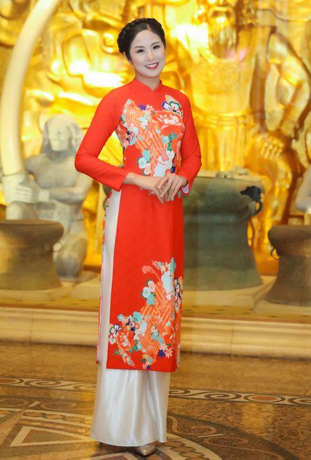 Hoa hau Ky Duyen, Ngoc Han dien ao dai duyen dang - Anh 6