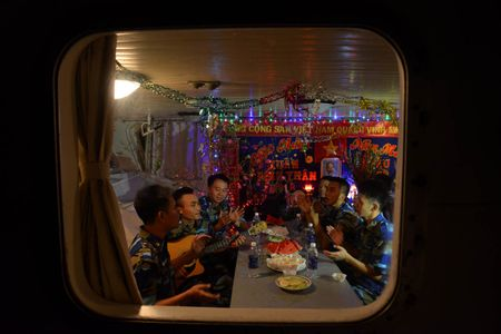 Don Tet tren bien voi vi man thuong nho hau phuong - Anh 15