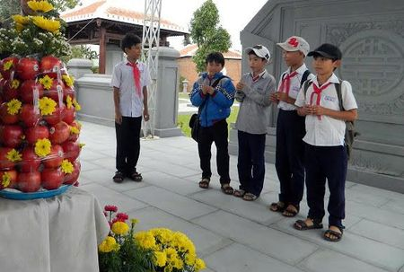 Nua dem vieng mo ong Ba Thanh - Anh 5