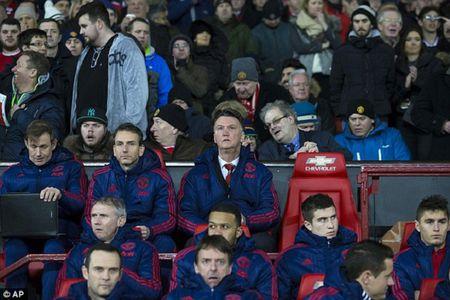 Ban viec gia dinh, Giggs vang mat trong chien thang 3-0 cua Man United - Anh 1