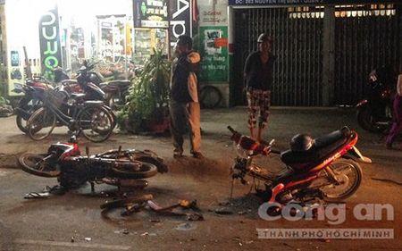 Truy tim xe o to lien quan trong vu tai nan chet nguoi o TPHCM - Anh 1