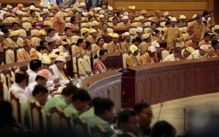 Thuong vien Myanmar co Chu tich moi tu Dang cua ba Suu Kyi - Anh 1