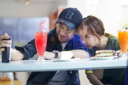 Hari Won vang bong dang ngo trong sinh nhat cua Tran Thanh - Anh 3