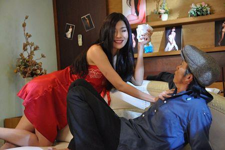 Hoai Linh vat va 'oan lung dap xich lo' mua Tet - Anh 4
