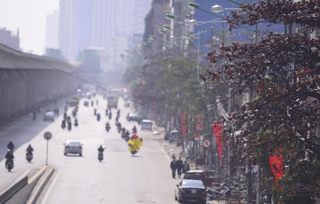 Pho phuong Ha Noi thanh binh chieu cuoi nam - Anh 5