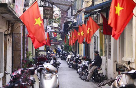 Pho phuong Ha Noi thanh binh chieu cuoi nam - Anh 7