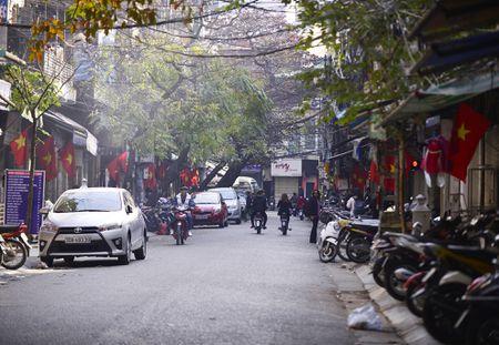 Pho phuong Ha Noi thanh binh chieu cuoi nam - Anh 8