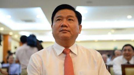 Ong Dinh La Thang diem tinh truoc loi khen - Anh 1