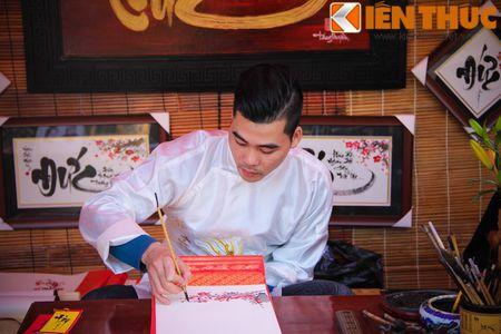 Zoom dan Ha Noi do ve pho ''Ong do'' xin chu dau nam - Anh 8
