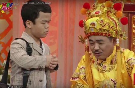 Video: Chi tiet nguoi lun gay tranh cai tren Tao quan 2016 - Anh 4