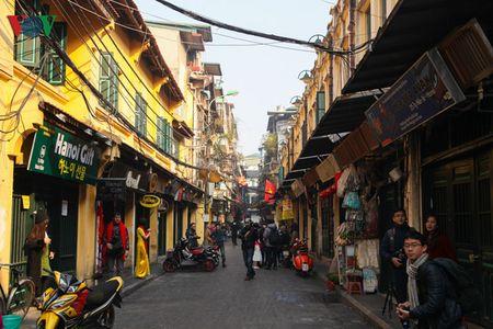 Ha Noi that binh yen sang mung 1 tet Binh Than - Anh 10
