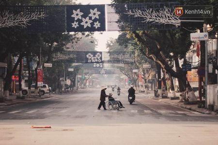 Ha Noi that binh yen sang mung 1 tet Binh Than - Anh 3