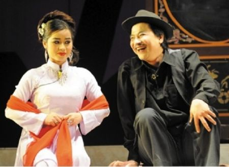 NSND Quoc Anh: Don giao thua tren duong ve que an Tet cung me! - Anh 2