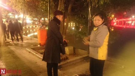 Hinh anh Ha Noi xau xi va nhech nhac sau dem giao thua 2016 - Anh 13