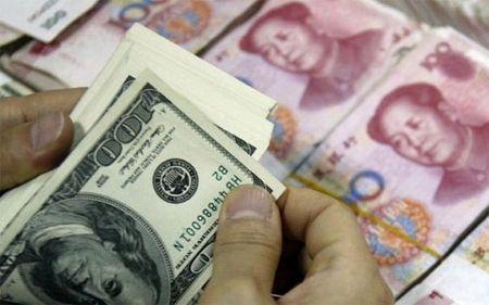 "Du tru ngoai hoi Trung Quoc ""boc hoi"" them gan 100 ty USD - Anh 1"