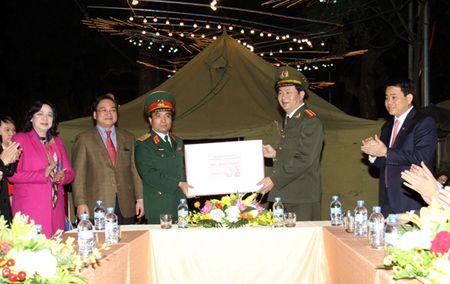 Luc luong chuc nang bao dam tot an ninh, trat tu phuc vu nhan dan vui Xuan, don Tet - Anh 3