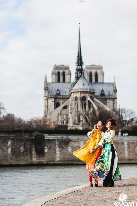 Nao long ngam ao dai Viet tha thuot tren duong pho Paris - Anh 7