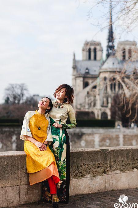 Nao long ngam ao dai Viet tha thuot tren duong pho Paris - Anh 8