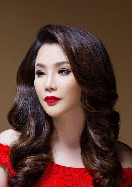 Nhung nguoi dep tuoi Than 'lam mua lam gio' trong showbiz Viet - Anh 2