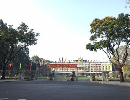Duong pho Sai Gon tinh lang ngay dau nam - Anh 7