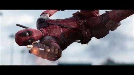 Deadpool chuc mung nam moi khan gia Viet Nam cuc di - Anh 2