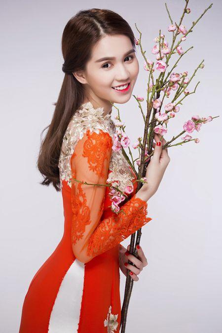 Ngoc Trinh, Linh Chi diu dang trong ao dai xuan - Anh 3