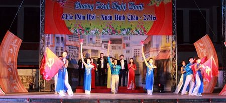 Phu Tho: To chuc chuong trinh nghe thuat 'Chao don xuan Binh Than 2016' - Anh 2