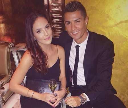 Cristiano Ronaldo - Qua bong vang tren tinh truong - Anh 4